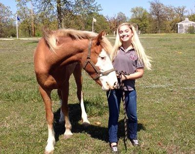 equine therapy for teen girls